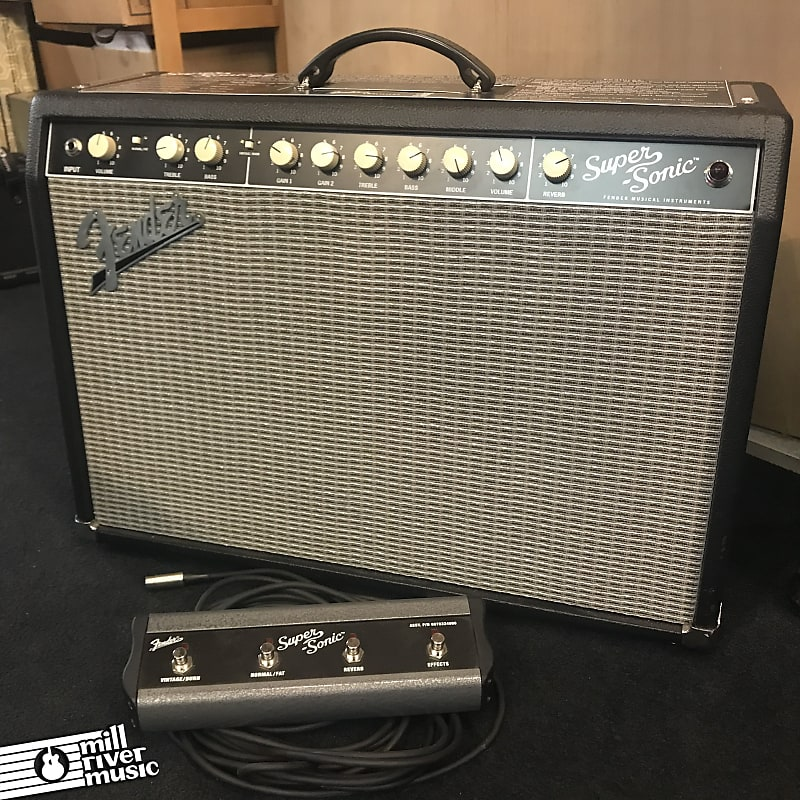 Fender Super-Sonic 22 2-Channel 22W 1x12