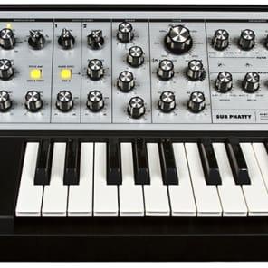 Moog Sub Phatty 25 Key Analog  Keyboard Synthesizer LPS-SUB-001