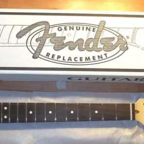 "Fender® USA Maple/Rosewood Strat Neck~'70s-style~9.5"" Radius~22 Frets~Brand New"
