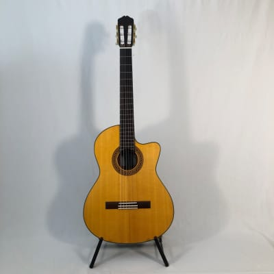 K Yairi CY128 CES (2009) 60039  Guitare Corde nylon, cutaway electro LR Bags VTC, in a softcase. for sale
