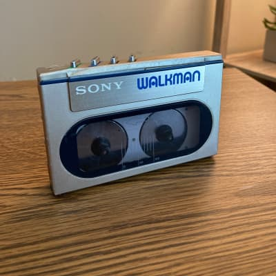 VINTAGE Sony Walkman WM-10 | Working with Battery COVER!