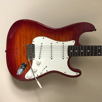 MIJ Fender Stratocaster 94-95 with hardshell case for sale