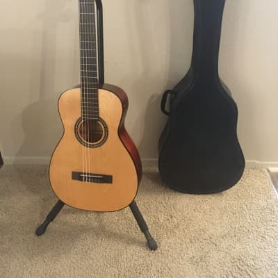 Harmony H910 classical guitar 1960s Natural made in USA in excellent condition with original case for sale