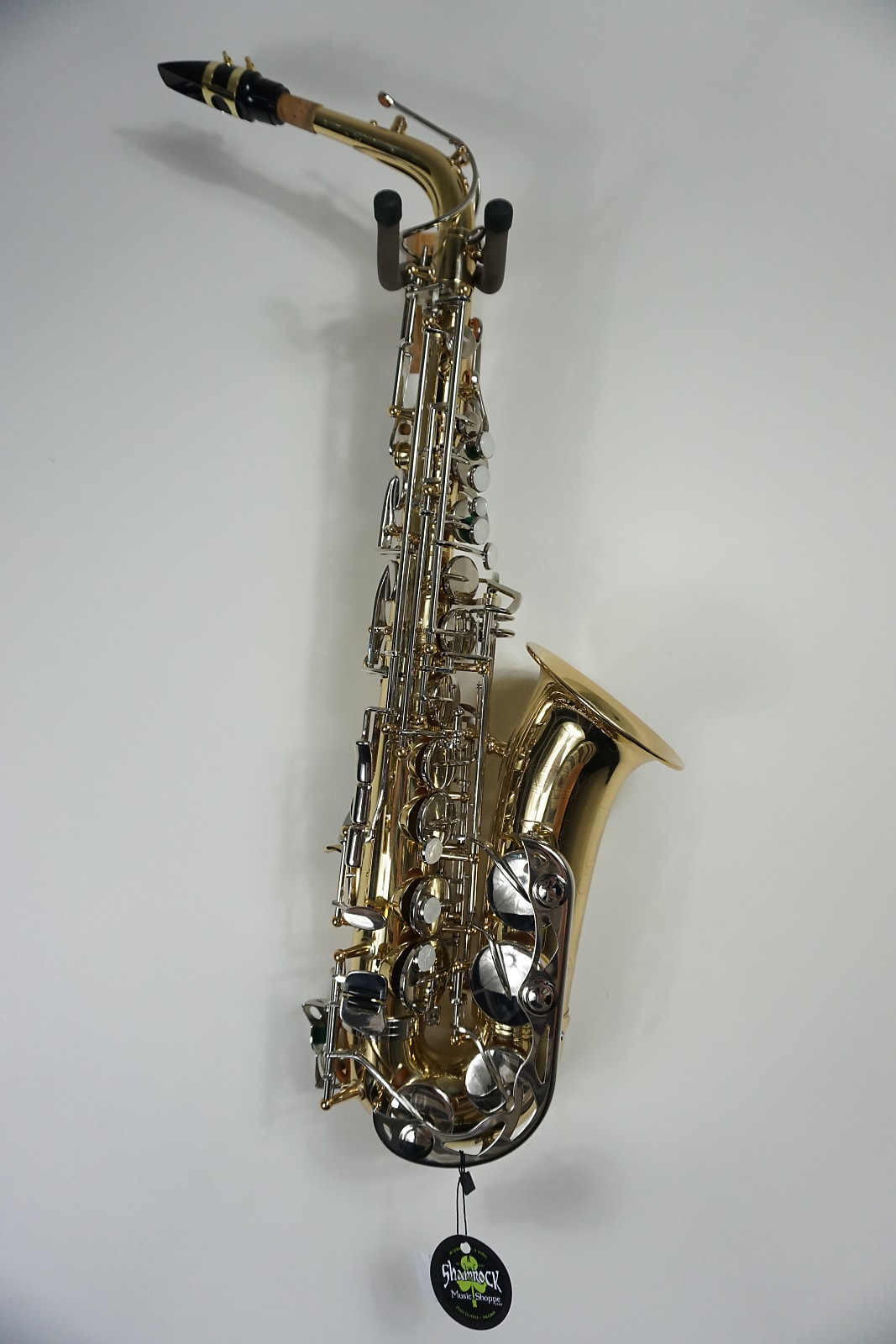 Bundy BAS-300 Brass Student Alto Sax Saxophone & Case