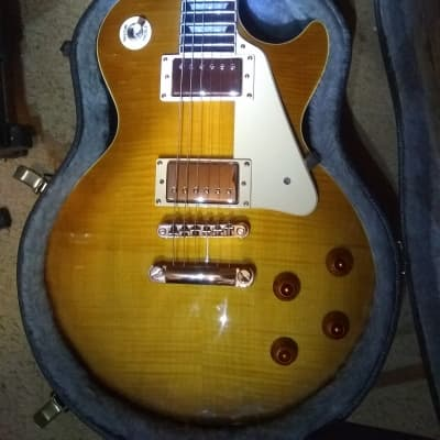 Epiphone Les Paul Standard Plus Top Pro Bundle
