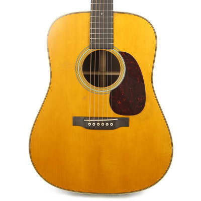 Martin D-28 Authentic 1937 Aged Vintage Gloss Dreadnought