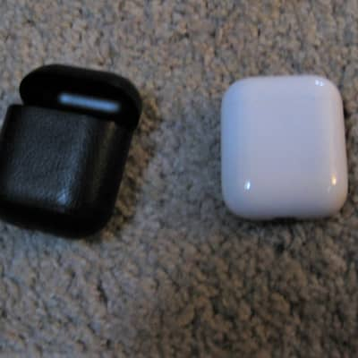 Apple AirPods 2nd Gen with Black Leather Case