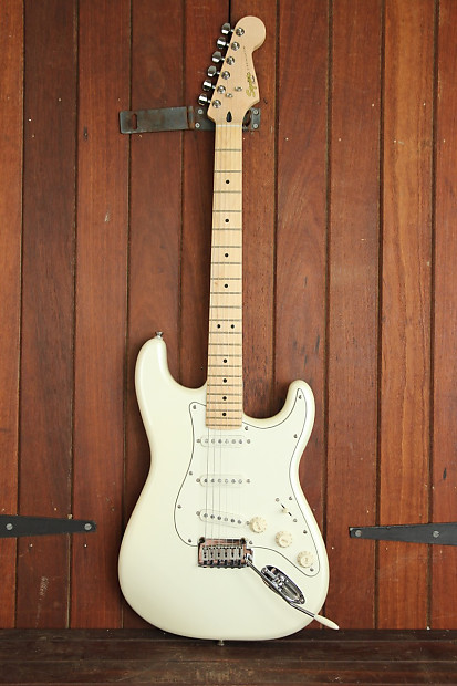 squier deluxe strat pearl white metallic electric guitar reverb. Black Bedroom Furniture Sets. Home Design Ideas