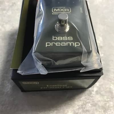 MXR Dunlop M81 Bass Preamp Guitar Effects Pedal Direct Out 3-band EQ  M-81 ( OPEN BOX ) for sale