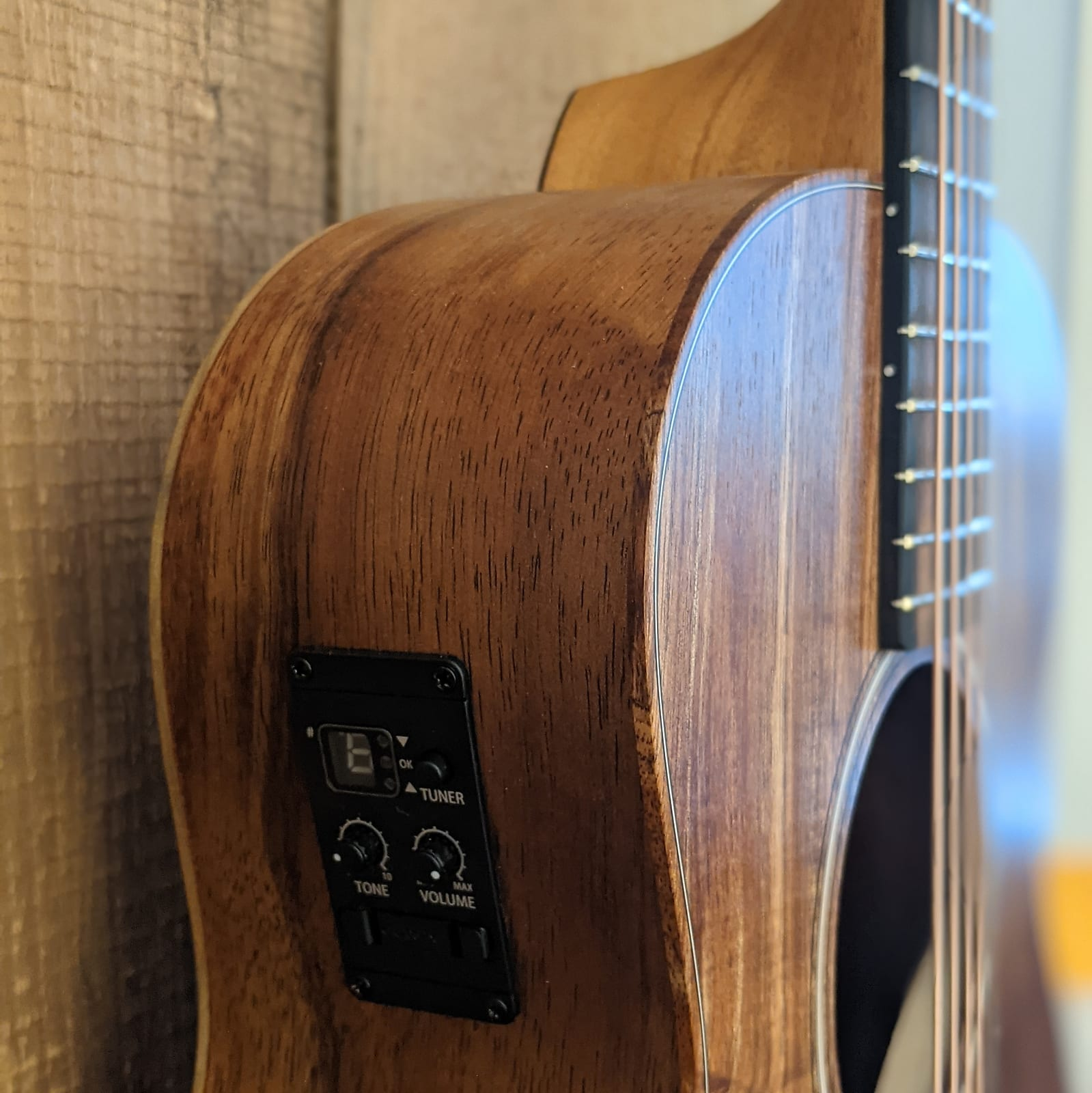 Taylor GS Mini-e Koa Acoustic Electric Guitar w/gig bag