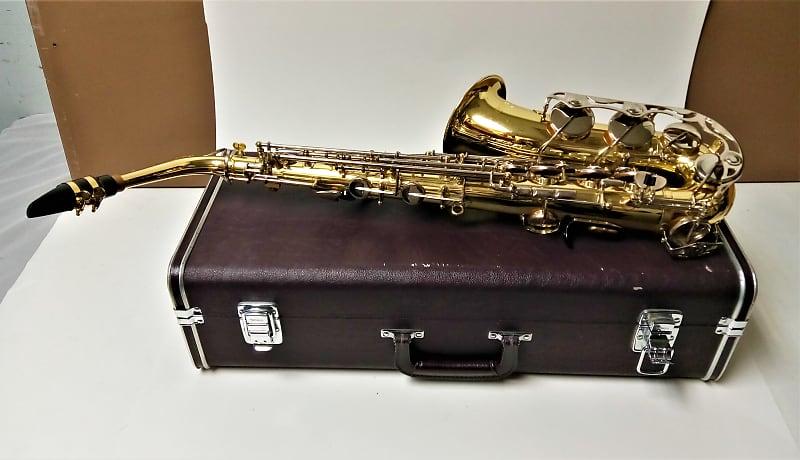 5bc11aa5d2 Yamaha YAS-23 Alto Saxophone Student Model With Hard Shell