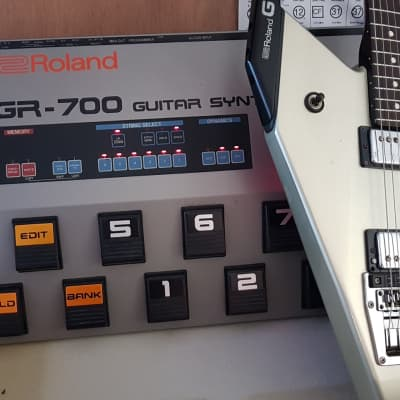*100% Working* Vintage 1984 Roland G-707 Guitar Silver with GR-700 Japan Guitar Synth Synthesizer GR With 2x Original Cable for sale