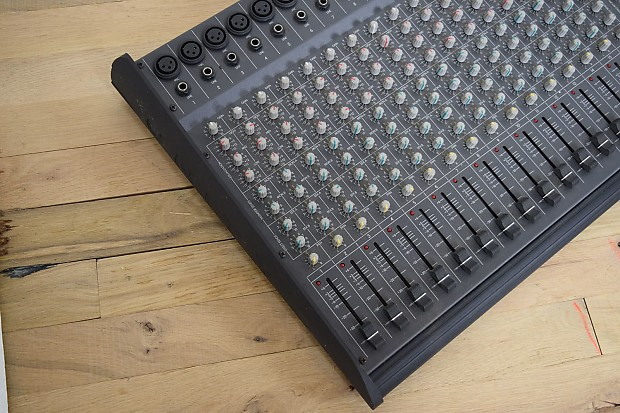 peavey unity series 2002 16 channel mixer console reverb. Black Bedroom Furniture Sets. Home Design Ideas