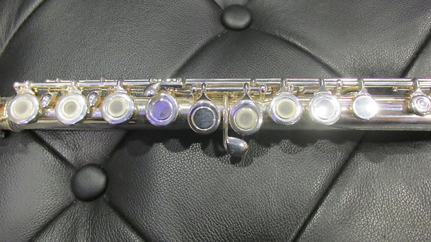 how to play open hole flute