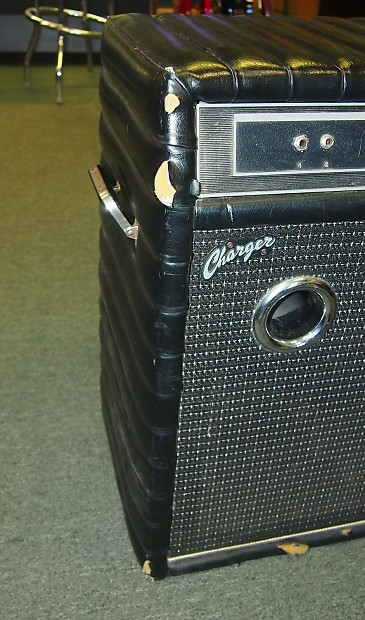 vintage kustom charger 1x15 bass or guitar combo amp tuck and reverb. Black Bedroom Furniture Sets. Home Design Ideas