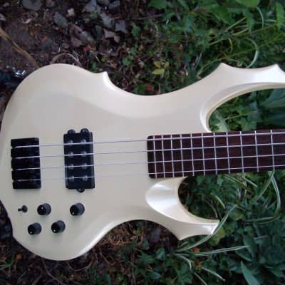 ESP Custom Order Forest Bass 2006 Aged Pearl White One of a Kind SWEET