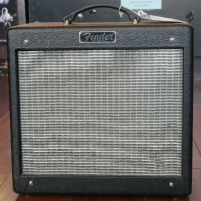 Fender Pro Junior III 15 watt Tube Amp Black Tolex