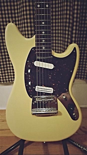 Fender Mustang Antique Yellow Seymour Duncan Mini