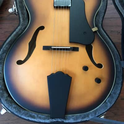 Washburn J600k Jazz Guitar