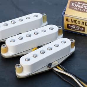 Tonerider TRS4 Alnico II Blues Strat set - white