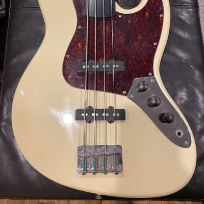 Hohner J Bass F1 for sale